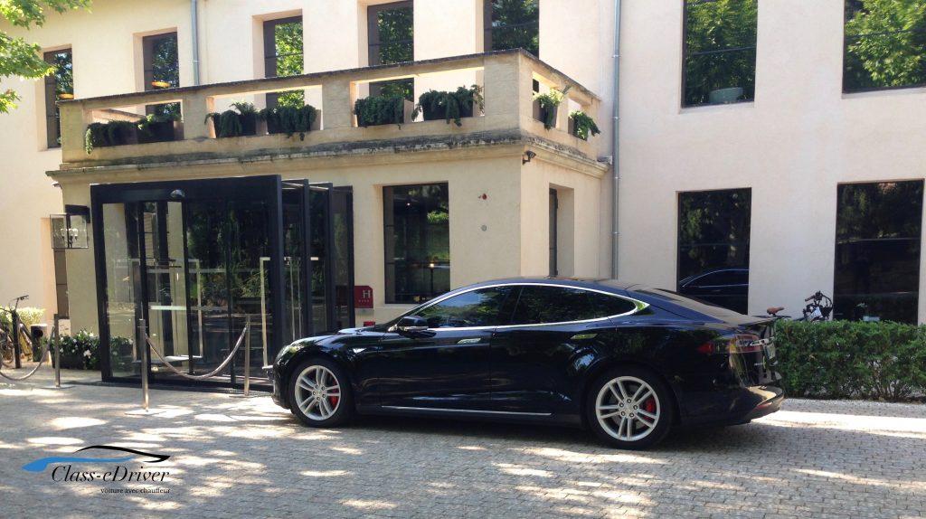 Chauffeur Service Les Lodges Sainte Victoire - Hôtel & Spa - 5 étoiles - Aix en Pce
