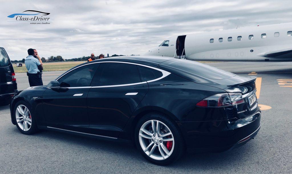 Tesla Pickup Tarmac